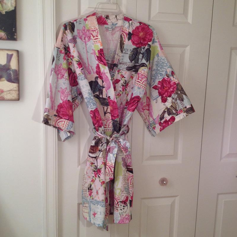 Kimono Robe in Belle Rose